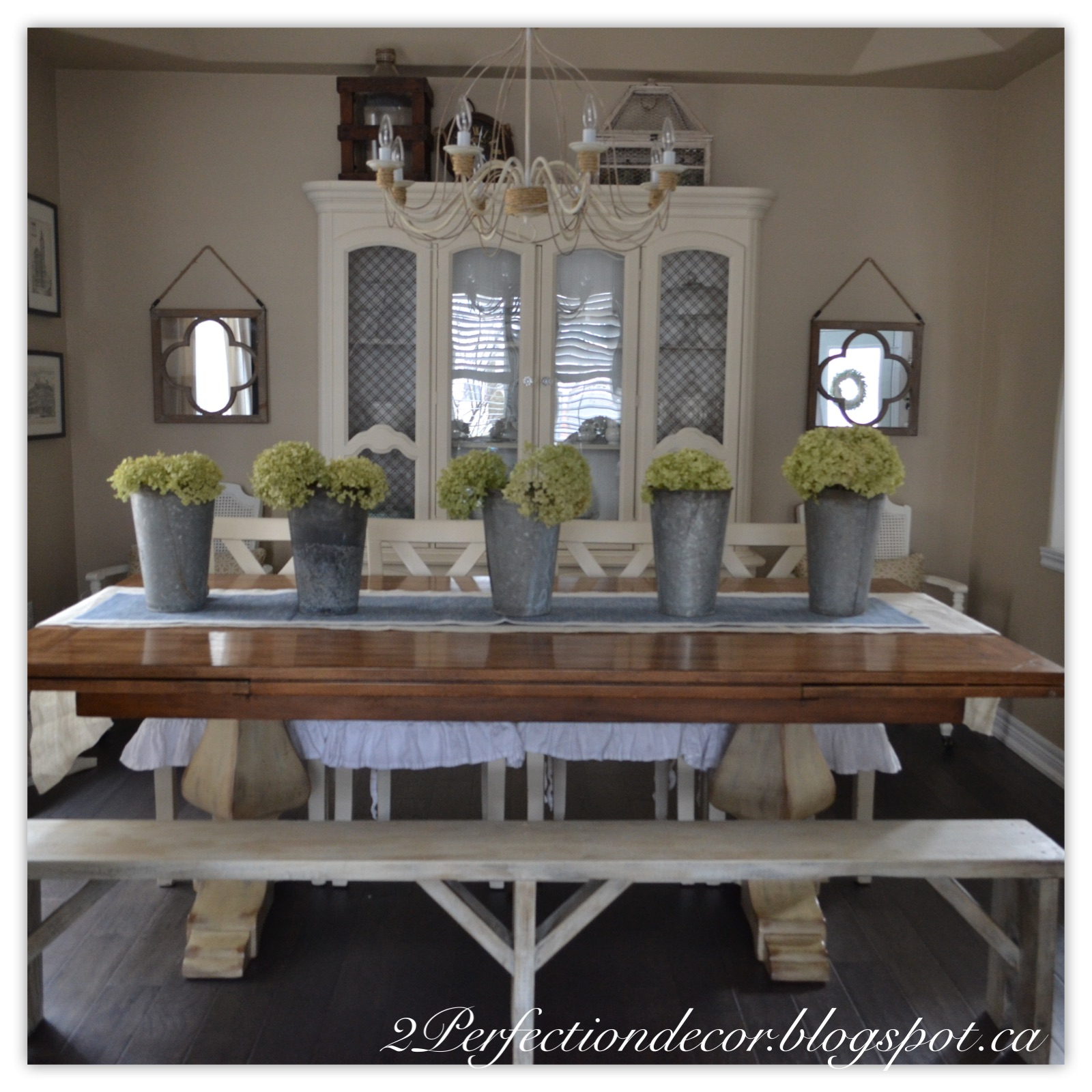 2Perfection Decor Spring decor in our Dining room