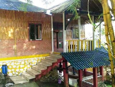 Villa Bambu Roso Mulyo Sentul