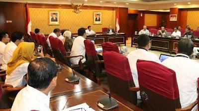 INFO Kriteria Utama Pengangkatan PNS Menurut DPR Setelah UU ASN Disahkan Nanti