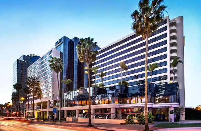 Step into a local state of mind. Discover the best that Long Beach has to offer with Renaissance Hotels.