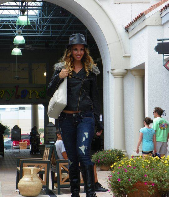 Ashley Outlet Grand Prairie: Miss Florida West Coast Models At The Miromar Outlets