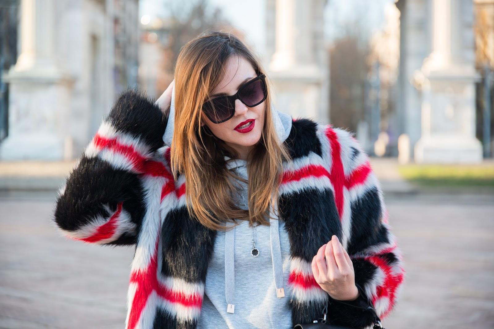 outfit pelliccia ecologica 2