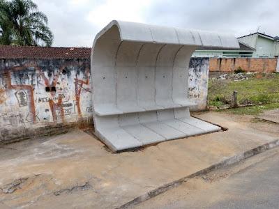 Secretaria de Trânsito implanta novos abrigos de passageiros em Registro-SP