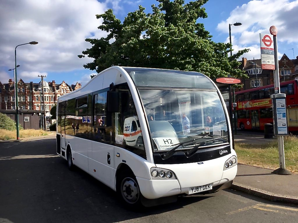 london buses on the go  metroline fly solo in the garden suburb