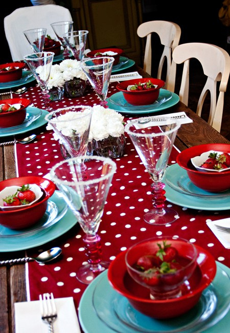 Party Bulb Table Runners