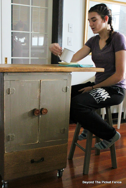 kitchen island, bar , coffee bar, barnwood, chalk paint, rolling cart, https://goo.gl/GTqvzh