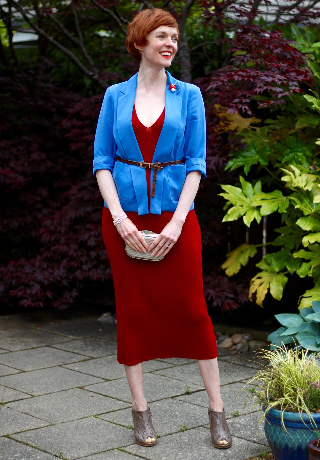 Fake Fabulous | Red knitted dress & blue blazer | Why it's important to dress your best!