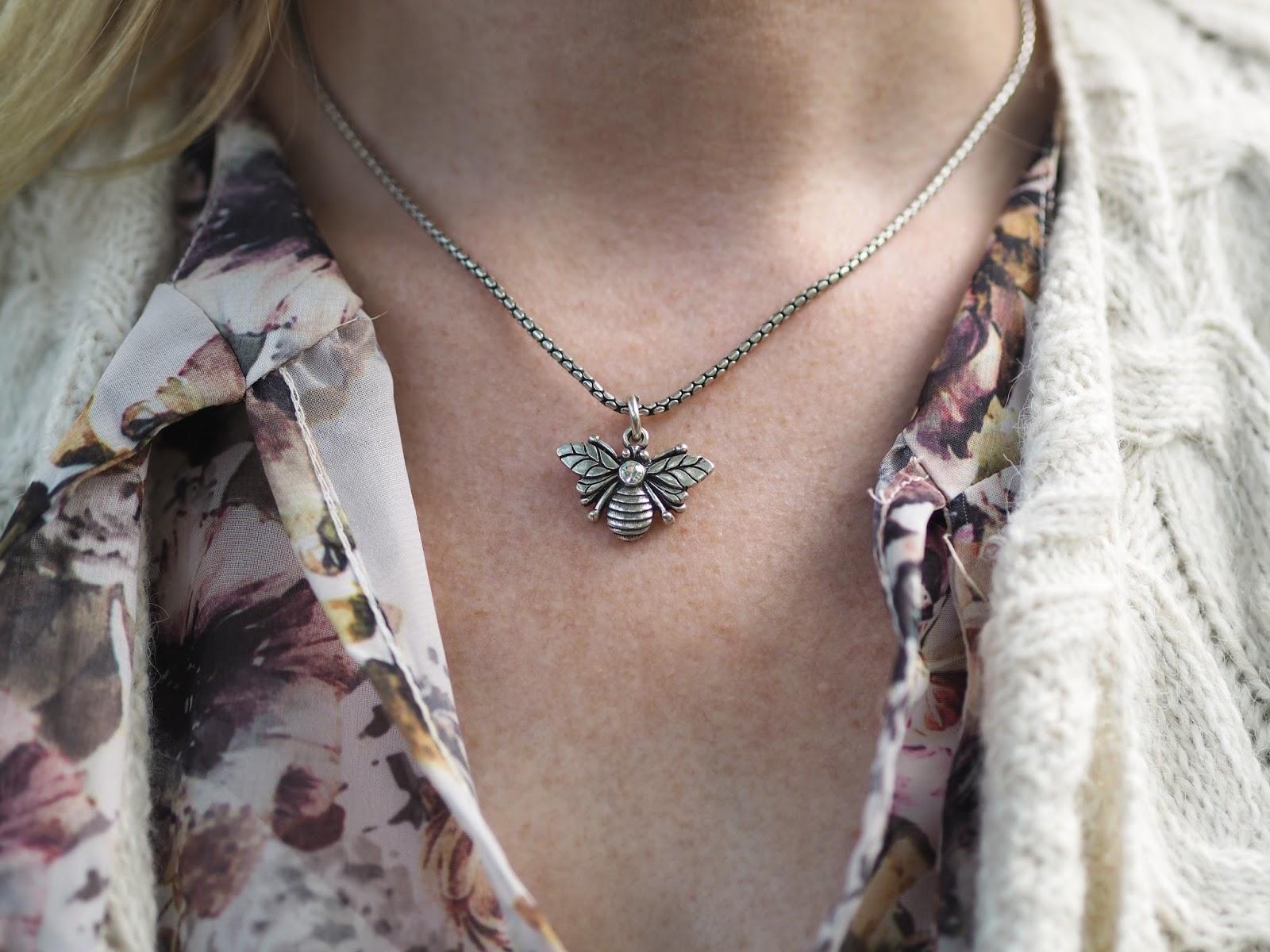Danon bee necklace