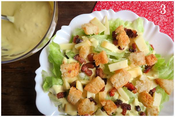 salada caesar com molho
