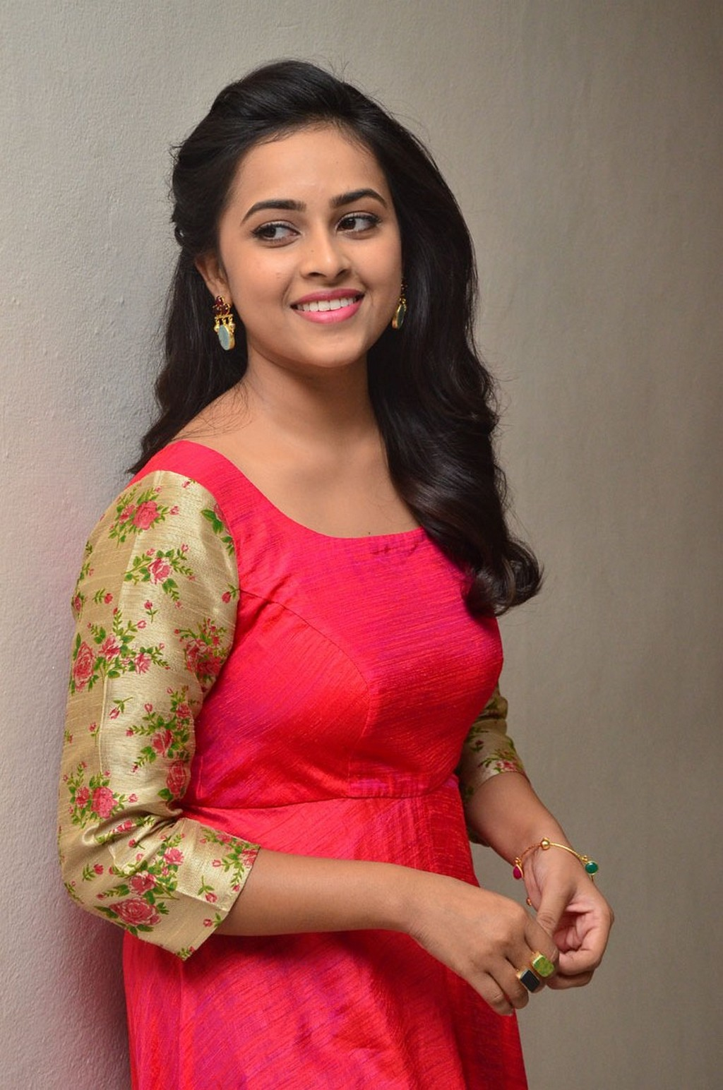 Actress Celebrities Photos Tamil Actress Sri Divya Latest -6483