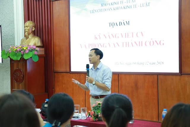 Diễn giả Nguyễn Quốc Chiến chia sẻ tại trường Đại học Thương Mại (2018)
