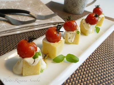 Mamaliga cu Parmegiano Reggiano si rosii aromate la cuptor