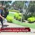 Menor acusada de asesinato fue sacada vestida de policía