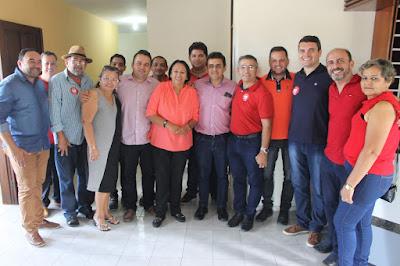 Resultado de imagem para fotos do prefeito naldinho de sao paulo do potengi dando apoio a fatima bezerra