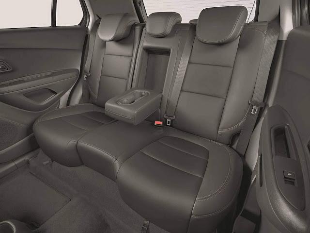 Novo Chevrolet Tracker 2017 - espaço traseiro