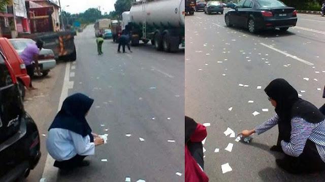 Sobekan mushaf Al Quran berhamburan di jalan