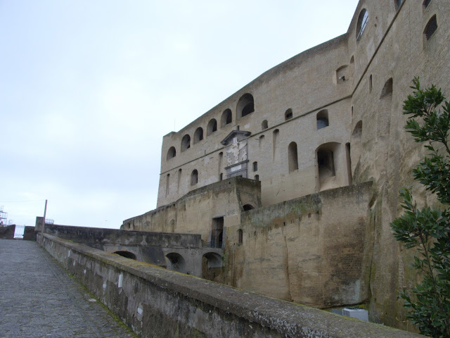 Zamek Sant'Elmo Neapol widok
