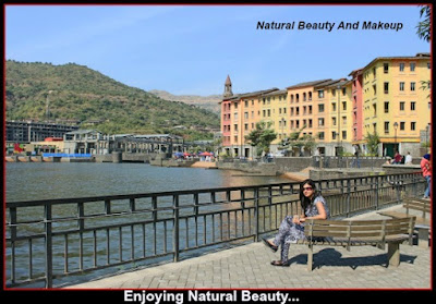 Lakeshore sitting area, Lavasa