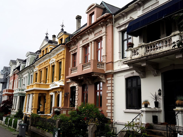 Bergen, architektura, domečky, ulička, ulice, Norsko