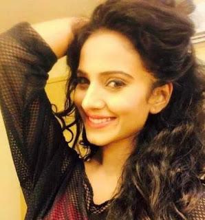 Biodata Heena Parmar (Pemeran Ishita Akash Sindhia) – istrinya Akash