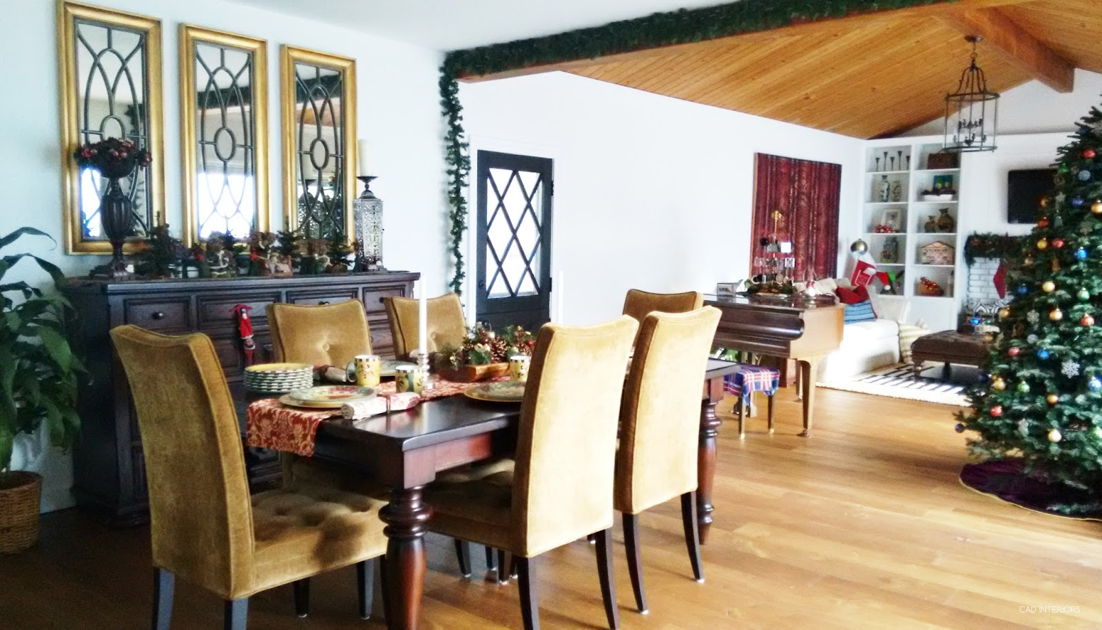 Christmas holiday decorating traditional classic interior decorating
