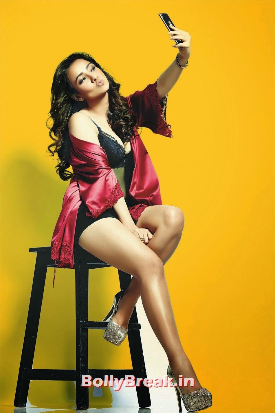 ,  Neha Sharma Pics in Red, Black Nighty & Bikini