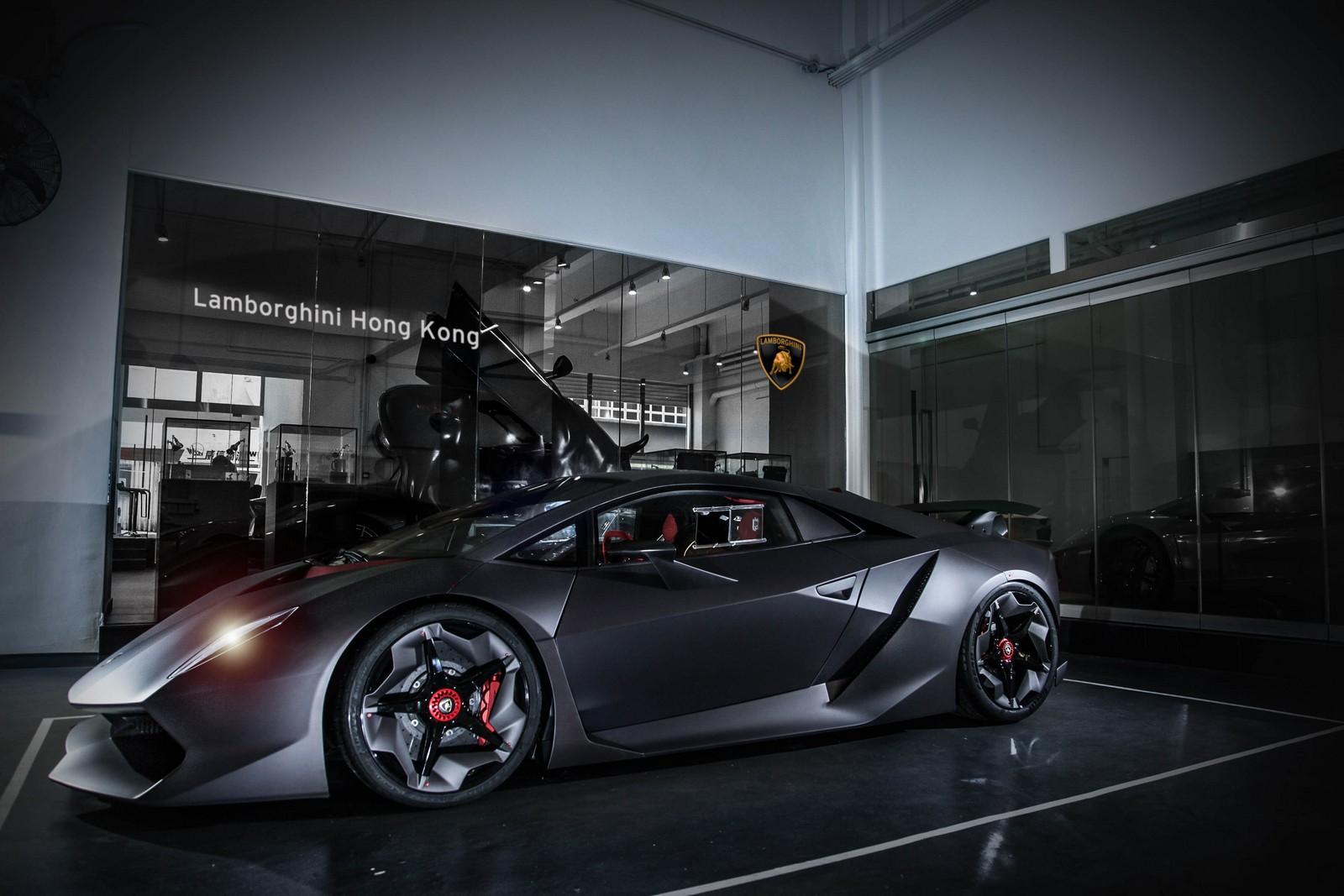 Siêu xe Lamborghini Sesto Elemento mạnh danh là Người dơi đường phố
