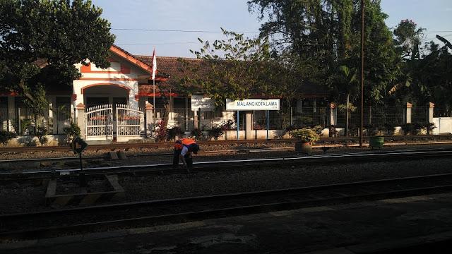 jalur kereta minyak stasiun malang kotalama