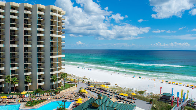 Book your Florida beach vacation at the Hilton Sandestin Beach Golf Resort & Spa, a luxurious, full-service Destin resort & beachfront hotel.