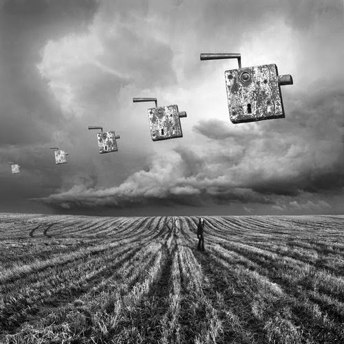 14-The key-Dariusz-Klimczak-Black-and-White-Surreal-Altered-Reality-www-designstack-co