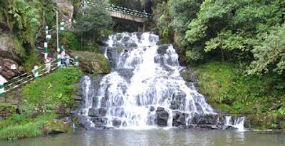 Elephant-Falls.