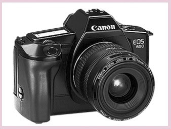 Kamera SLR Canon EOS 650 dengan autofocus dipenghujung periode ketiga