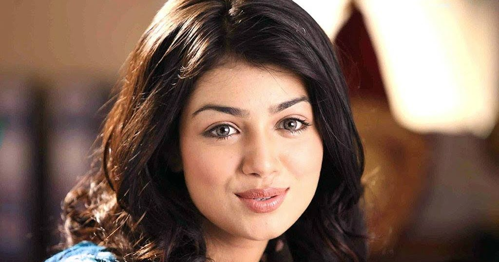 Ayesha Takia Age, Death, Husband Name, Biography, Baby -7549