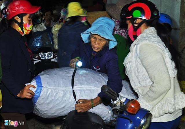 Chợ tỏi 4h sáng trên đảo Lý Sơn - Hình 2