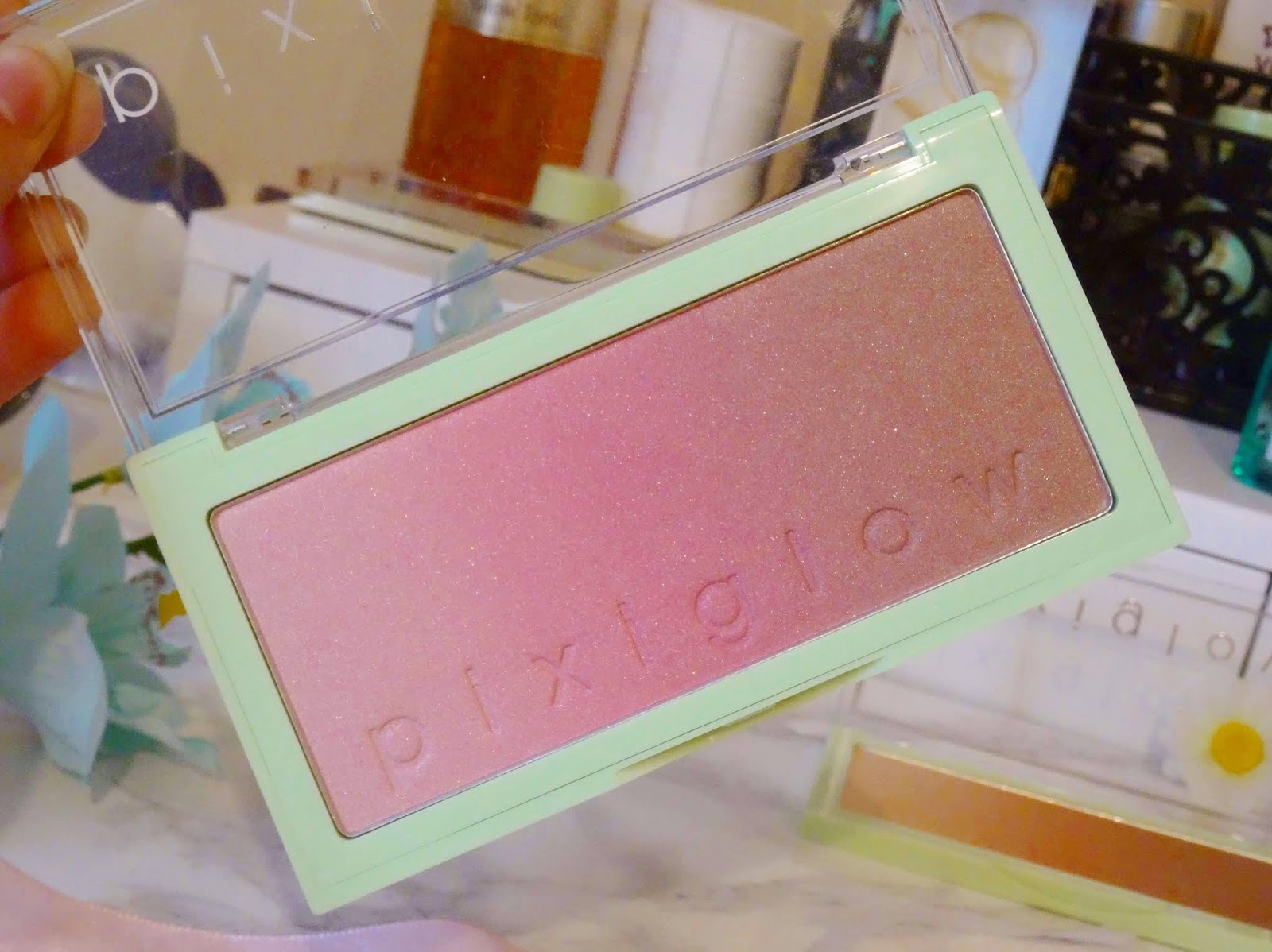 Pixi Glow Cakes in Pink Champagne Glow Review