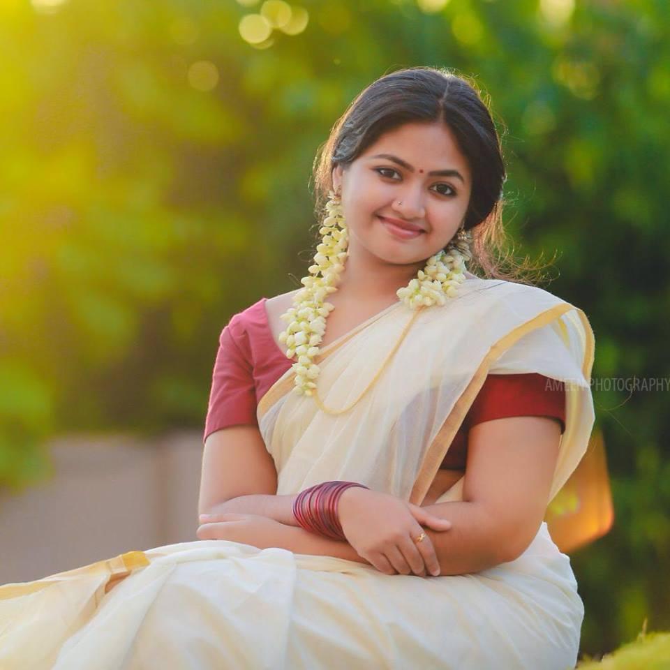 shalin kerala girls in set saree photos actress shalin latest saree hd ...