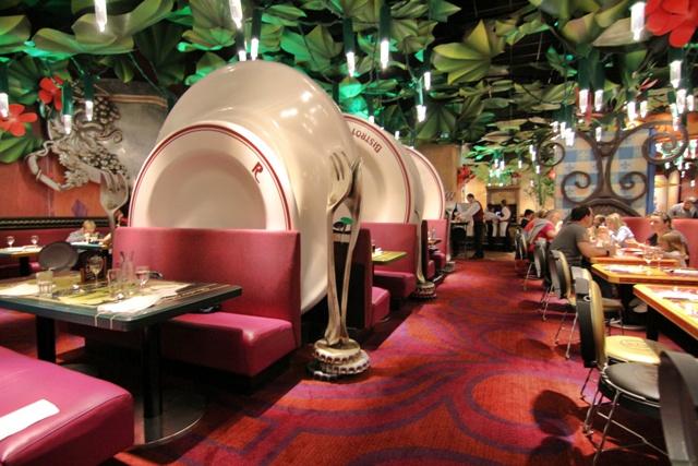 Restaurante Bistrot Chez Remy, un mundo de ratón