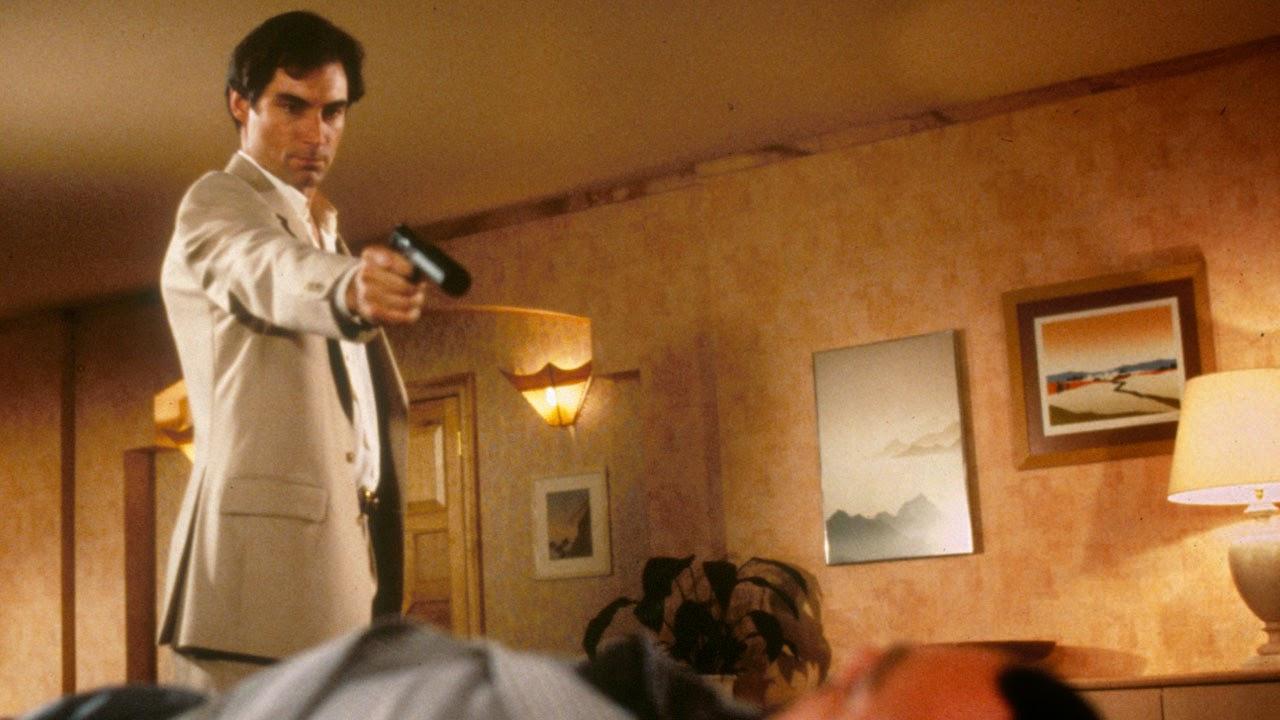 Resultado de imagen de 007 alta tensión escenas