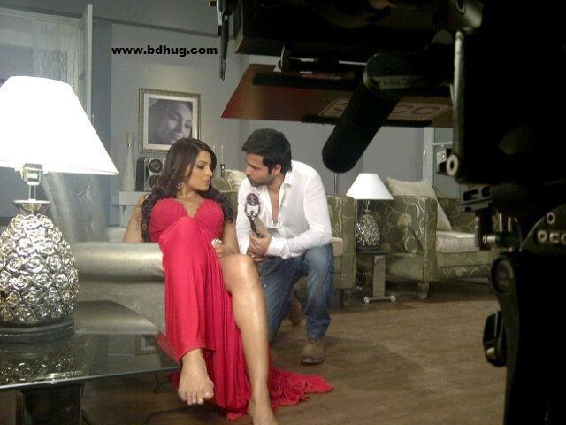 Bipasha Basu Bollywood Actress Biography, Movies List, XXX Photos