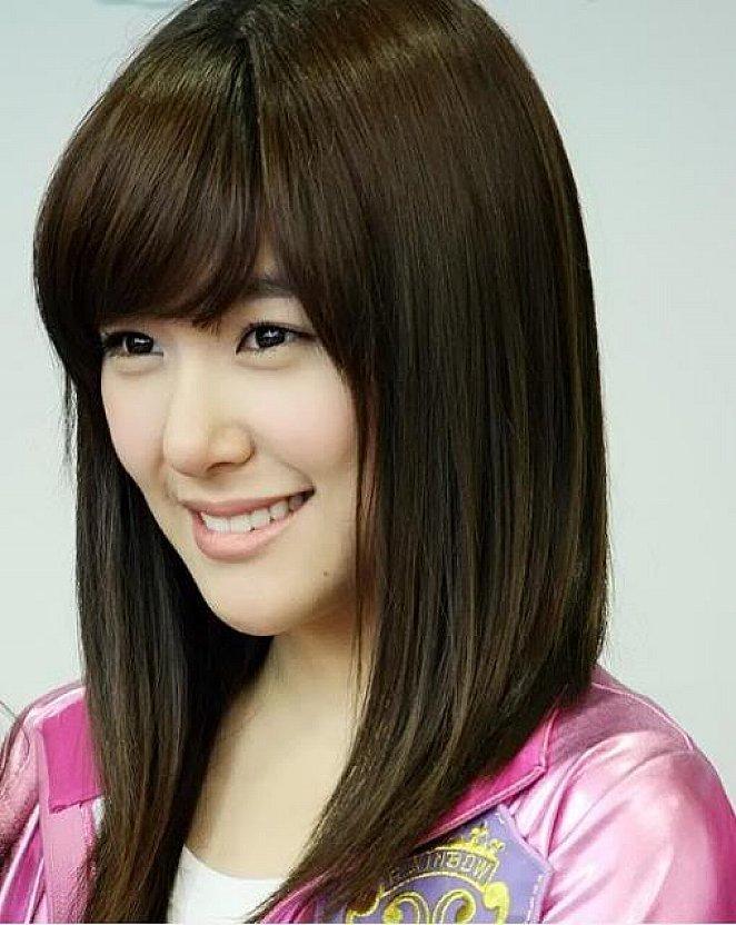 Model Gaya Rambut Pendek Sebahu Wanita Korea - Model ...