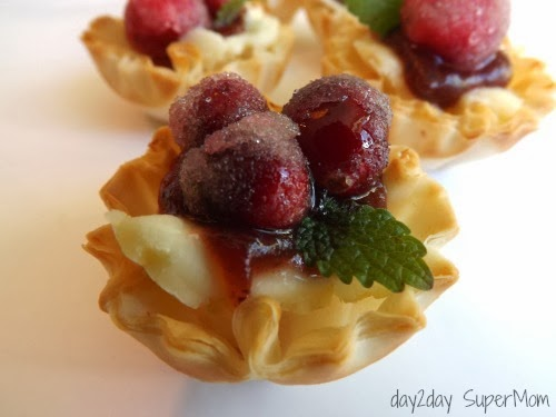 Double Cranberry Brie Bites ~ 12 SuperMom Days of Christmas