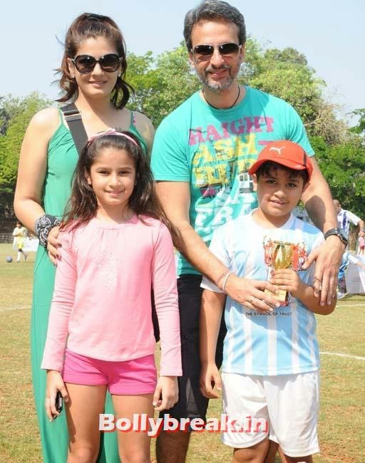 Raveena Tandon with family, Raveena Tandon at Junior Football Championship League 2014