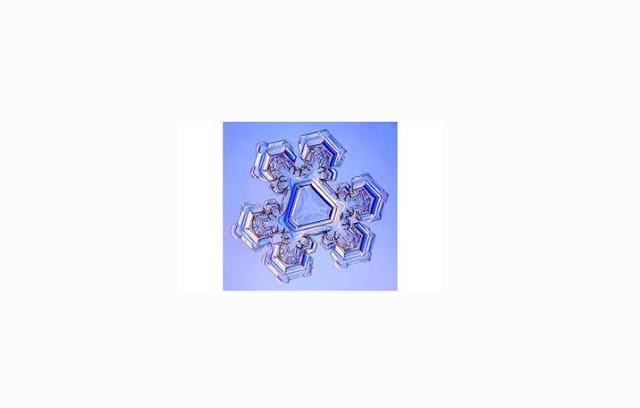 Salju Bentuk Triangular Crystal