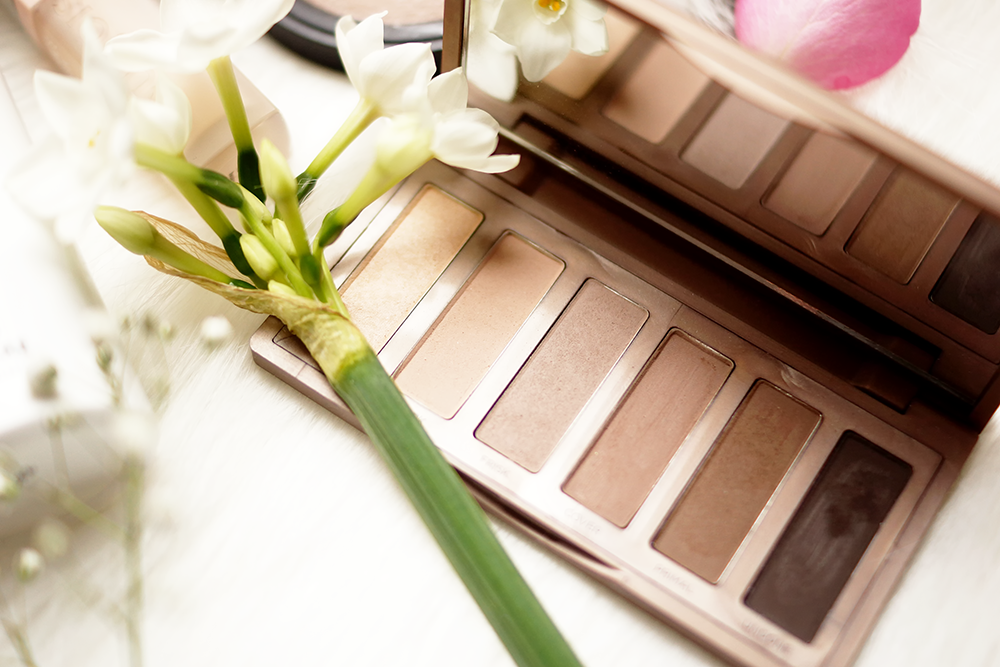 barely-there-beauty-blog-urban-decay-naked-basics-2-palette-review
