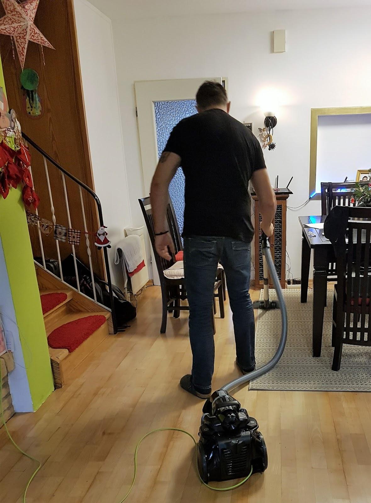 der beutellose aeg staubsauger lx8 1 ko im test arbeitserleichterung mit viel power mihaela. Black Bedroom Furniture Sets. Home Design Ideas