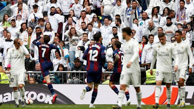 Cardona comemora gol do Eibar sobre o Real Madrid (Foto: Reuters)