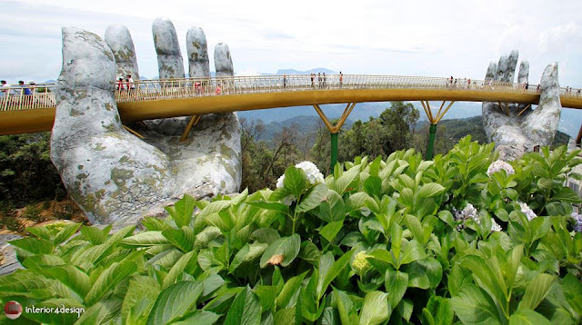 The Golden Bridge Which Adheres To Giant Hands  Is A New Attraction In Vietnam 3