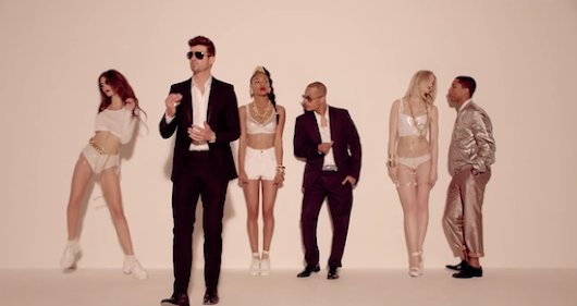 "Paqman&Bull: Rhythm & Boobies: Robin Thicke Strips It Down In New Video For ""Blurred Lines"" - NSFW"