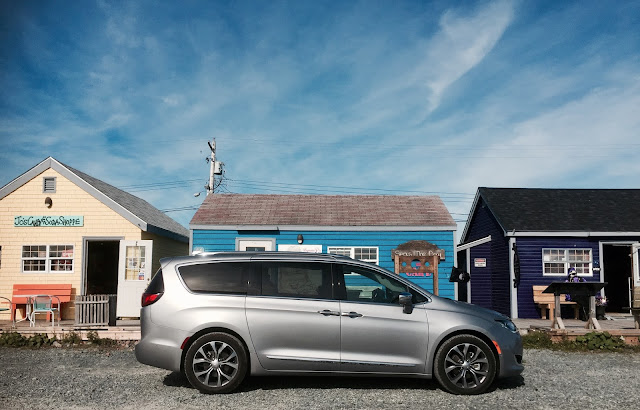 2017 Chrysler Pacifica Billet Silver Fisherman's Cove
