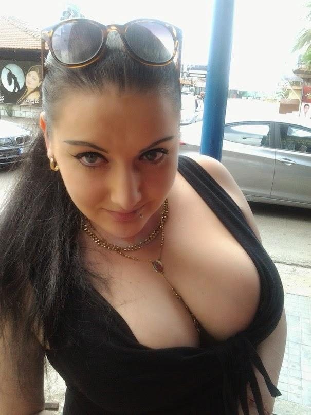 Худышки с большими грудями может